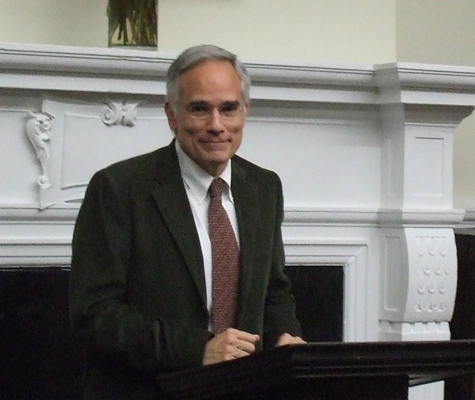 photo of Carlos J. Alonso